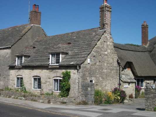 A cottage in Corfe castle village